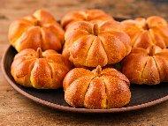 Малки тиквени хлебчета / питки във формата на тиква